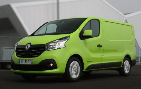 renault_trafic_driving_2_0